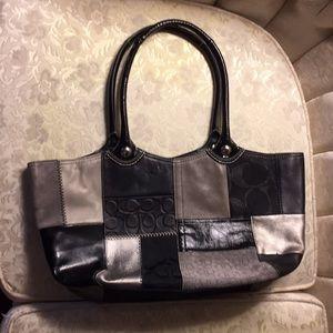 Coach purse handbag with zipper pocket inside